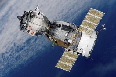 satellite-soyuz-spaceship-space-station-41006
