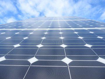 solar-panels-1726540_960_720