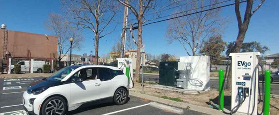 Evgo Has Integrated Second Life Bmw I3 Batteries To Store Energy